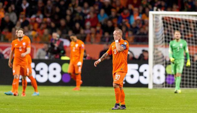 Sneijder se lamenta con Holanda.