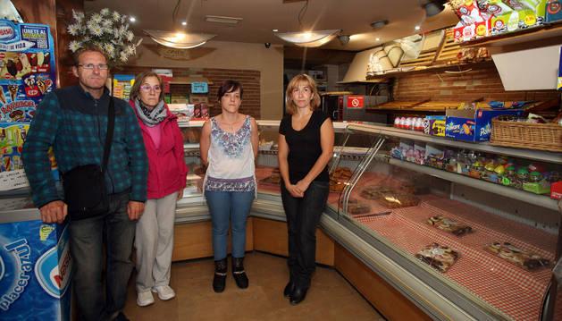 Los trabajadores Miguel Ángel Yanguas, María Pilar Sánchez, Vanessa Nogueras y Rosana Muñoz .