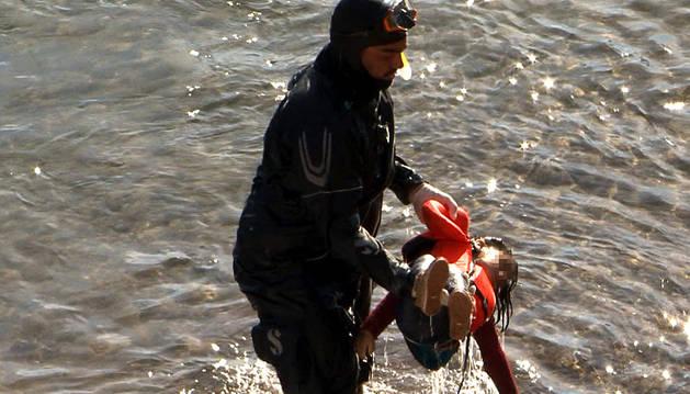 Siete refugiados hallados muertos tras un naufragio en la costa griega