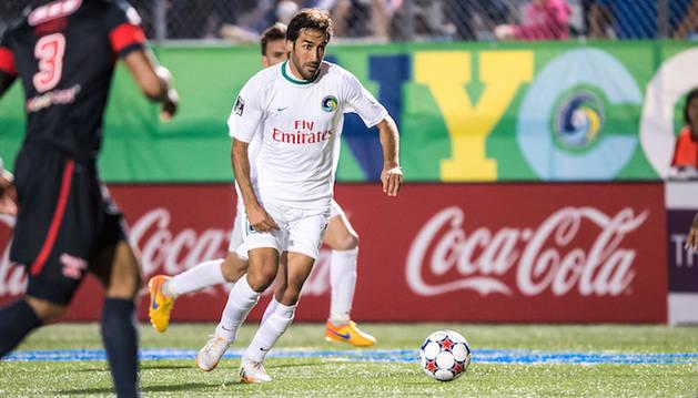 Raúl González, con el NY Cosmos.
