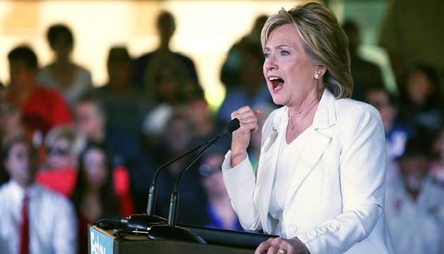 Clinton, ayer, durante un acto de campaña en Texas.