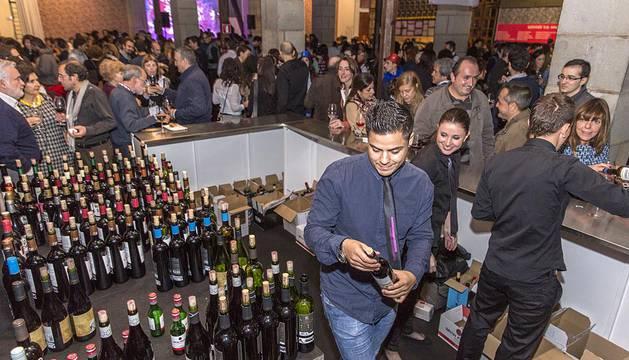 La Noche del Vino celebró este viernes su octava edición en la Sala de Armas de la Ciudadela de Pamplona el 24 de octubre.