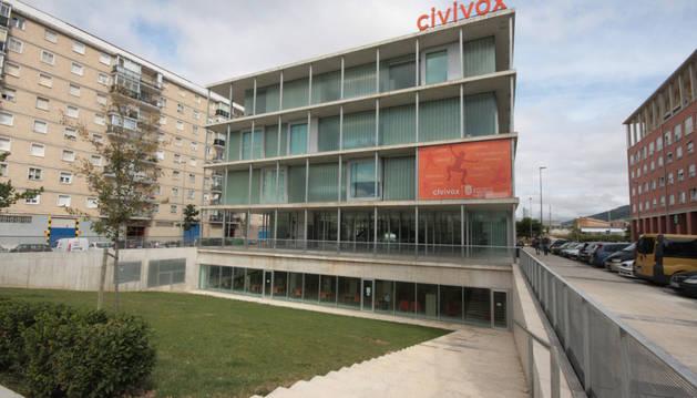 Vista exterior del Civivox del barrio de San Jorge pamplonés.