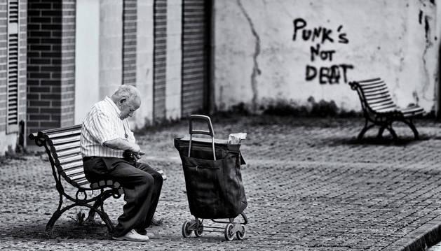 'Aoiz gente 2015', en blanco y negro, foto ganadora del  X Certamen de Fotografía Villa de Aoiz.