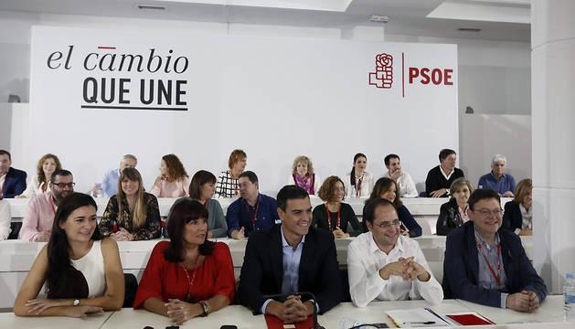 El secretario general del PSOE, Pedro Sánchez (c), durante la reunión del Comité Federal este sábado.