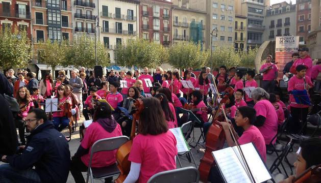 Actuación musical a cargo de los alumnos de Primaria del colegio Vázquez de Mella.