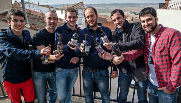 Javi Andrés Torres (Sesma Brewing), Eneko Méndez Cibiriáin (Biribil Brewing), Alberto García Yoldi y Jokin Espierriz Crespo (Sesma Brewing), Asier Aguirre Lecea y David Salinas Lizaso (Morlaco Beer)