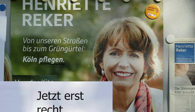 Colonia elige alcalde bajo el impacto del atentado xenófobo a la favorita