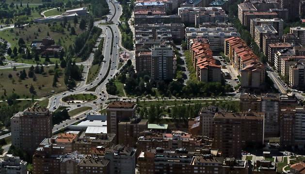 Imagen aérea del barrio de Iturrama y parte de Azpilagaña, en Pamplona.