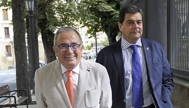 El presidente Luis Sabalza y el directivo Pedro Baile.