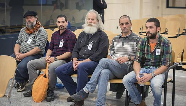 Los cinco acusados de Askapena.