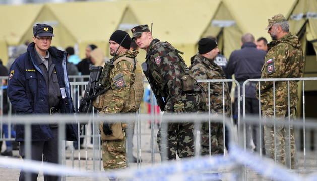 Eslovenia despliega soldados y tanques en la frontera con Croacia