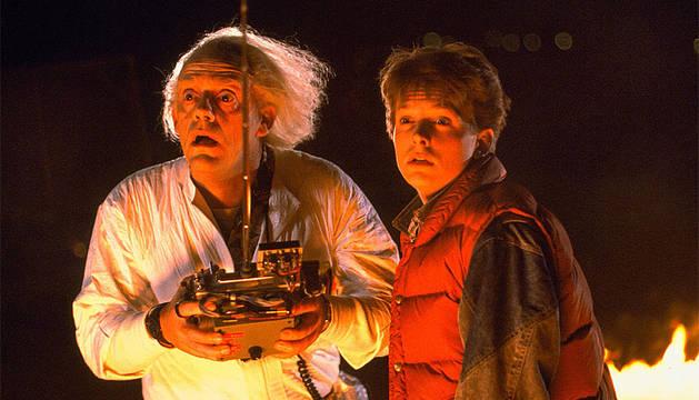 Michael J. Fox y Christopher Lloyd, en 'Regreso al futuro'.