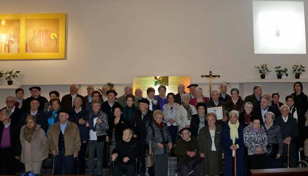 Asistentes a la misa y posterior homenaje.