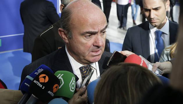 España tiene 350.000 indefinidos menos y 152.000 temporales más