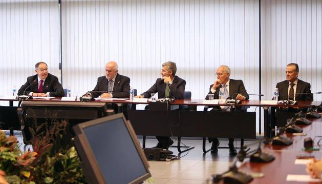 Participantes en el XX aniversario del Consejo Social de la UPNA.