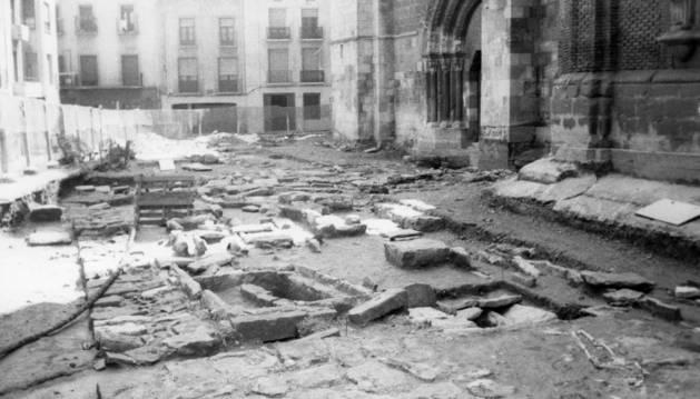 Restos de la mezquita junto a la catedral en la excavación de 1993.