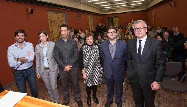De izda. a dcha., Eneko Larrarte, Isabel Murillo, Iñaki Montoya, Mª Itziar Ayerdi, Nacho Alamillo, y Francisco Pérez Enériz.