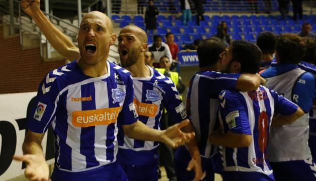 Toquero celebra un gol.