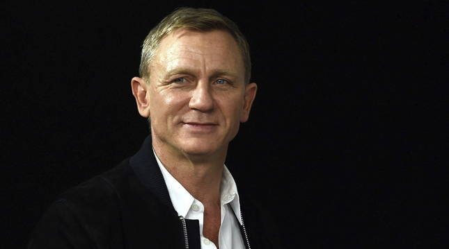 El actor británico Daniel Craig posa durante el pase gráfico de la presentación de la nueva película de James Bond.