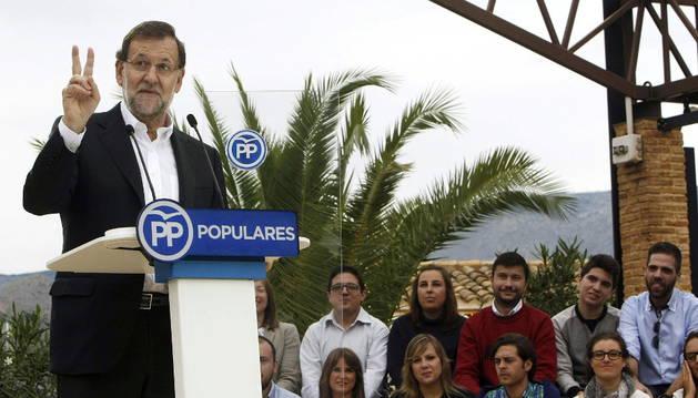 El presidente del Gobierno, Mariano Rajoy, durante su intervención en un acto del PP en la localidad alicantina de Finestrat.