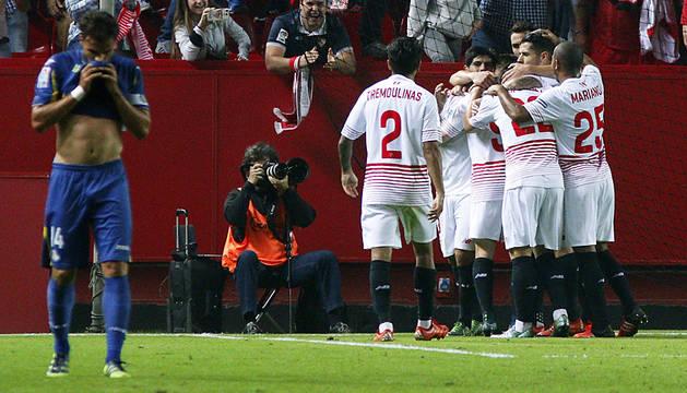 El Sevilla aniquila al Getafe desde los once metros (5-0)