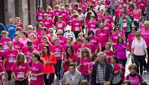 IV Carrera contra el cáncer de mama organizada por Saray