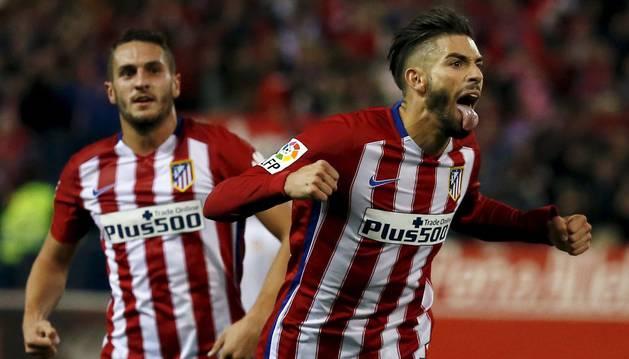 Carrasco celebra su gol al Valencia.