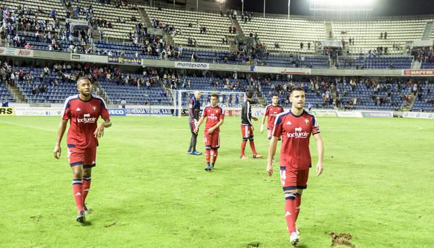 Los jugadores de Osasuna, tras el empate en Tenerife.