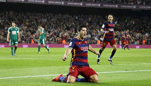 Suárez desatasca al Barça con tras goles (3-1)