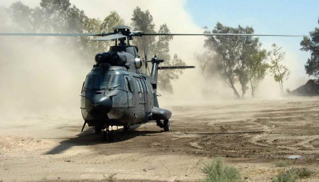 Un helicóptero español 'Superpuma'.