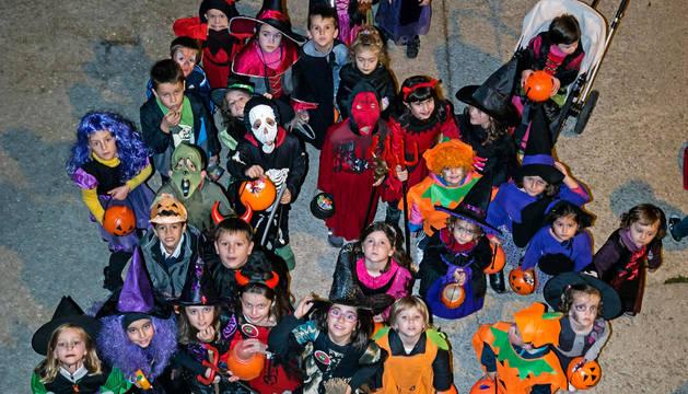 Niños disfrazados en una imagen tomada durante la fiesta de Halloween el año pasado.