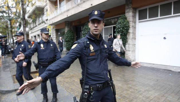 LA POLICIA NACIONAL ENTRA EN EL DOMICILIO DEL EXPRESIDENTE JORDI PUJOL