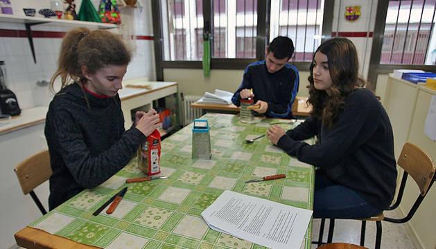 Varias alumnas del instituto Irubide.
