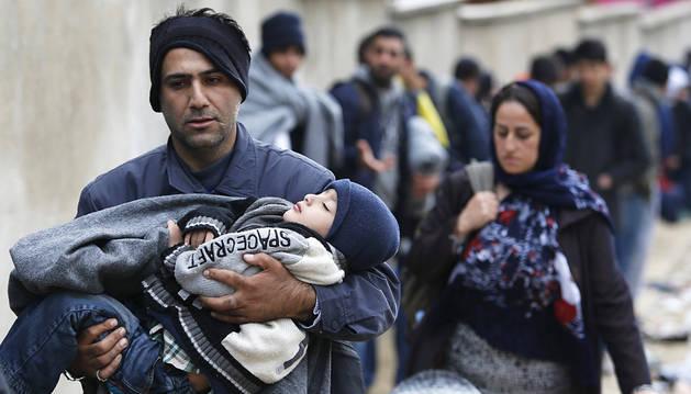 Navarra sigue sin noticias de los primeros refugiados mientras la crisis se agrava
