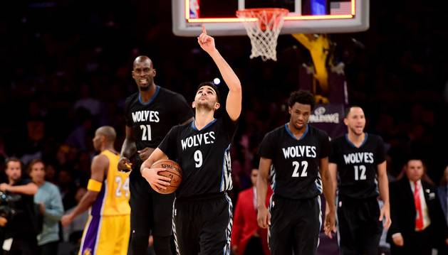 Ricky Rubio brilló contra Lakers.