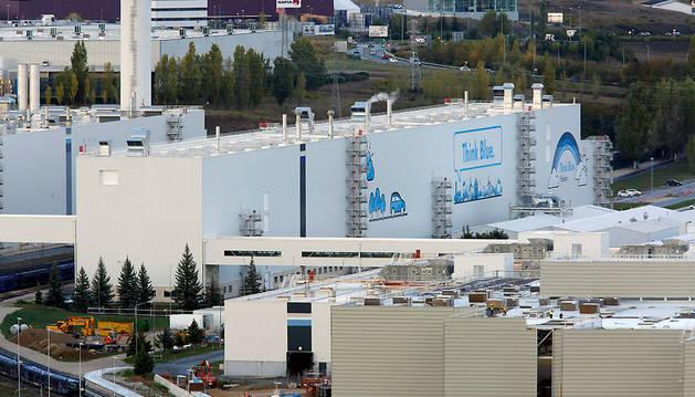 Vista general de la factoría de Volkswagen en el polígono de Landaben.