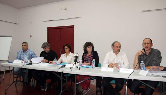 Técnicos apuestan por retrasar motas del Ebro para ganar espacio y reducir daños