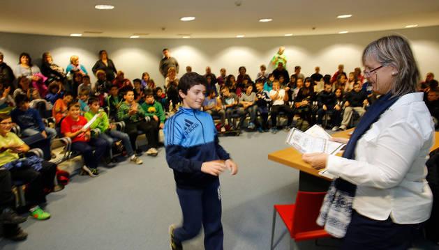 Mikel Marrero, del Catalina de Foix, gana el concurso escolar de igualdad de Zizur