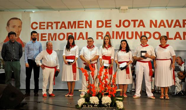 Los joteros homenajeados Basilio Carretero, Carolina Diliberto, Fernando Falces, Noelia Compains, María Errea, Santiago Mañero  y Elena Leache.
