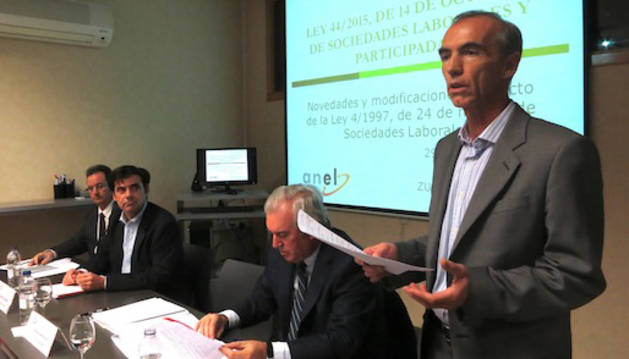 Los ponentes, durante la mesa de trabajo en ANEL