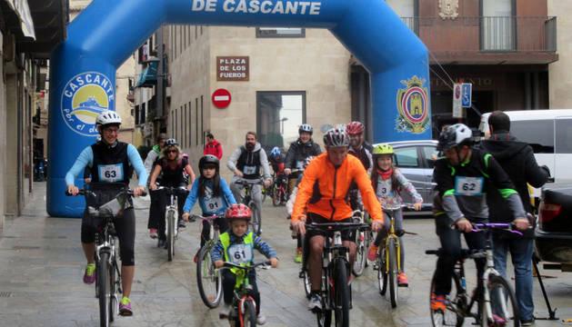 Participantes en la marcha cicloturista con la que se clausuró la Semana Saludable de Cascante.