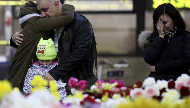 Londres sospecha que el avión ruso pudo estrellarse por una bomba