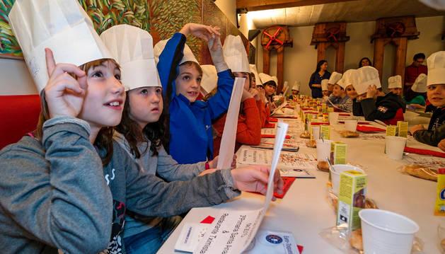 La clase especial sobre el gusto y los sabores estuvo salpicada de preguntas que los alumnos respondieron con prontitud.