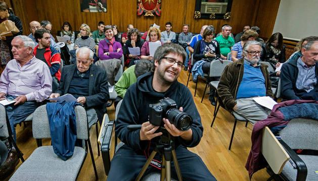 Imagen del pleno de Estella, con habituales entre el público y personas nuevas entre ellos.