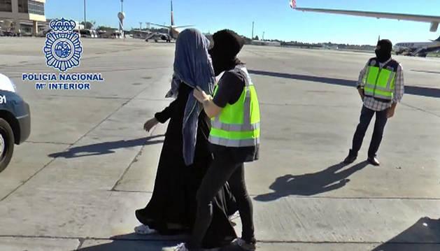 Arresto en Málaga de la joven vinculada con la organización yihadista Daesh.