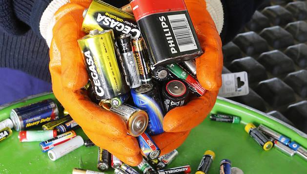 Pamplona y la Comarca rebasan el objetivo de la UE en reciclaje de pilas