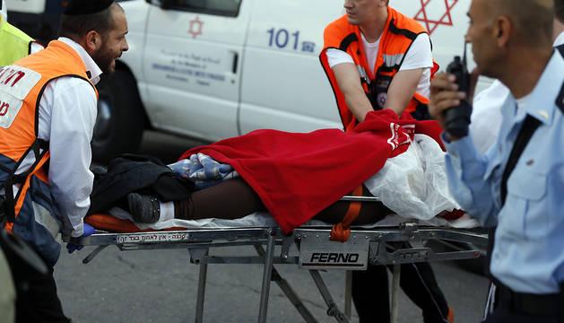 Dos palestinos muertos y 5 israelíes heridos este domingo en Cisjordania