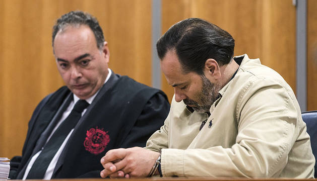Un momento del comienzo del juicio con jurado popular del empresario cordobés acusado de matar a su novia.