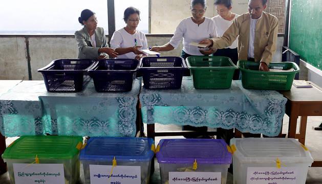 Los observadores internacionales respaldan las elecciones birmanas